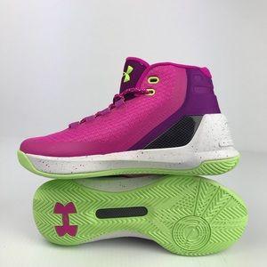 d0e8546c314f Under Armour Shoes - Under Armour GS Curry 3 - Sz 7 Women s